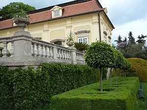 Buchlovice Castle - Image: Zamek Buchlovice budova ze strany