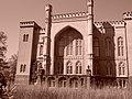 Zamek w Kórniku - widok od strony ogrodu.jpg