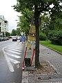 Zastávka NAD Hradčanská v ulici Na valech.jpg
