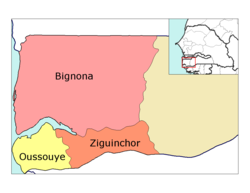 Ziguinchor région, divided into 3 départements