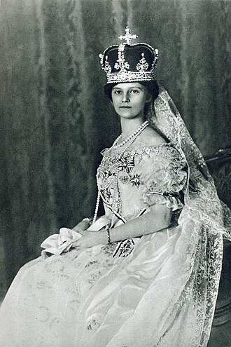 Zita of Bourbon-Parma - Empress Zita on the occasion of her coronation as Queen of Hungary, 1916