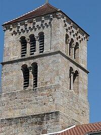 Église Sainte-Euphémie de Martigny-le-Comte - Clocher roman.jpg