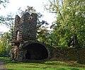 Башня-руина с земляным пандусом.jpg