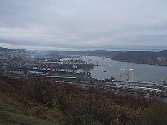 Kola Bay - Image: Мурманская гавань