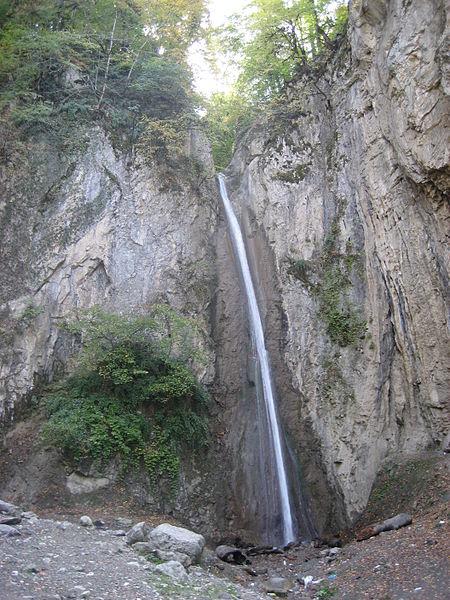 پرونده:آبشار زیارت گرگان.jpg