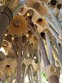 012 Sagrada Família, interior, columnes.jpg