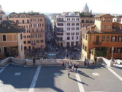 Come arrivare a Piazza Di Spagna con i mezzi pubblici - Informazioni sul luogo