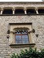 052 Castell de Santa Florentina (Canet de Mar), pati, finestra i galeria de la façana oest.JPG