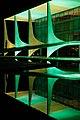 06-2014 Palácio do Planalto iluminado de verde e amarelo homenageando a Copa do Mundo no Brasil. (14326944446).jpg
