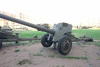 Battle of Wadi Al-Batin - Soviet made T-12 Rapira antitank gun, the main weapon used by the Iraqis during the battle