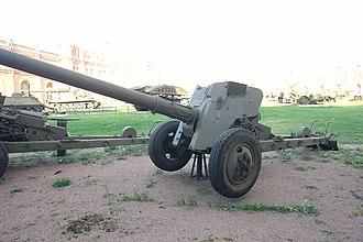 Battle of Wadi Al-Batin - Soviet made T-12 Rapira antitank gun, the main weapon used by the Iraqis during the battle