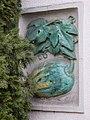1210 Jedleseerstraße 79-95 Stg. 68 - Kachelrelief-Hauszeichen Kürbis von Florian Josephu 1955 IMG 0744.jpg