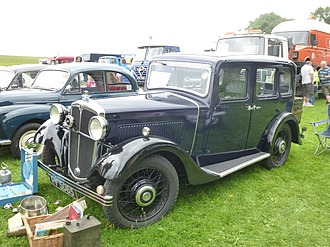 Morris Cowley - 1933-34 model Four-door six-light 11.9 hp saloon first registered 16 May 1934