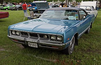 Dodge Monaco - 1969 Monaco 500 Hardtop Coupé, equipped with the optional Super-Lite projector road lamp.