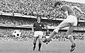 1972–73 Serie A - Hellas Verona v AC Milan - Sirena scores, Sabadini looks.jpg