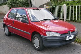 1997 Peugeot 106 1.1 3-door hatchback (2015-11-13) 01.jpg