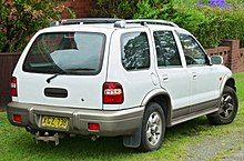 the longer kia sportage grand wagon (2001, australia)