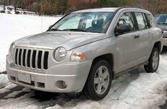 Jeep Compass przed face liftingiem