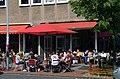 24grad - Kaffeerösterei, Engelbosteler Damm 52 in 30167 Hannover-Nordstadt, Gäste im Sommer bis an den Straßenrand.jpg