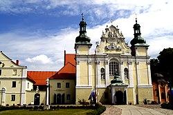 602352 kościół klasztorny norbertanek front