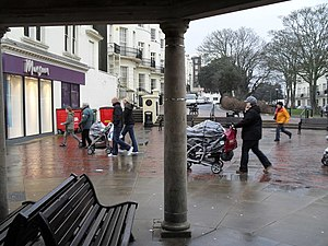 English: A brief respite under the bandstand T...