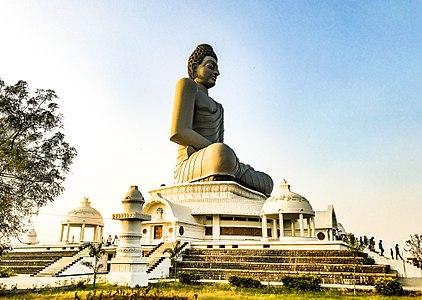 A cornered view of Dhyana Buddha statue in Amaravathi.jpg