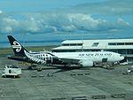 Air New Zealand 777-200 ZK-OKC at AKL (25834852884).jpg