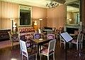 Ajaccio, maison bonaparte, salone con mobilio luigi xvi (sedute), del direttorio (tavolini) e secondo impero (guéridon) 02.jpg