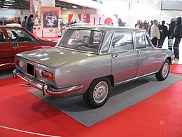 Alfa Romeo 1750 berlina grey-rear.JPG