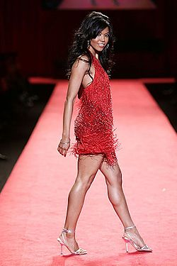 Amerie vid Red Dress Collection, 2006