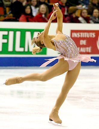 Layback spin - Image: Angela Nikodinov 2