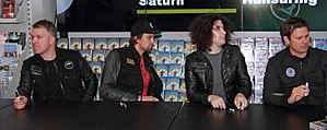 Angels&Airwaves Hansaring 01 authographing.jpg