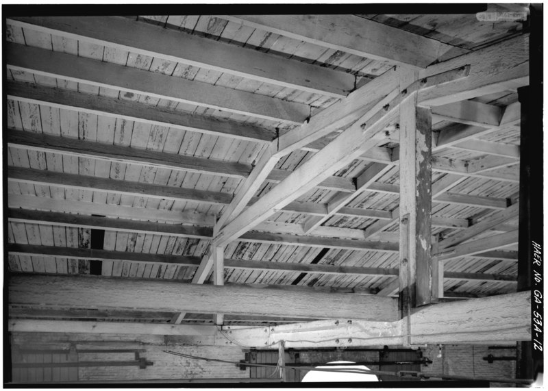File:Angled view of roof truss. - Central of Georgia Railway, Up Freight Warehouse, 227 West Broad Street (at rear of Gray Building), Savannah, Chatham County, GA HAER GA,26-SAV,57B-12.tif