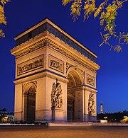 El Arco del Triunfo de noche