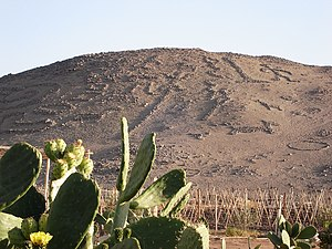 Chiribaya culture - Cerro Sagrado (Sacred Mountain) in the Azapa valley of Chile features a large number of geoglyphs.