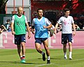 Arjen Robben Thiago Sebastian Rudy Training 2018-05-08 FC Bayern Muenchen-1.jpg