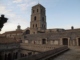 Arles - Church of St. Trophime and its cloister.