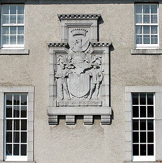 Weetman Pearson, 1st Viscount Cowdray - Arms of the 1st Viscount Cowdray, facade of Dunecht House