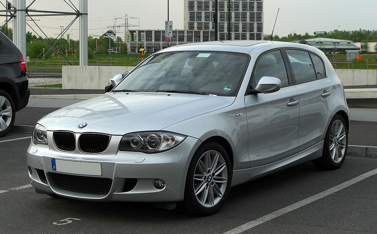 file bmw 116i m sportpaket e87 facelift frontansicht 16 april 2011 d. Black Bedroom Furniture Sets. Home Design Ideas