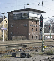 Bahnhof Duisburg Hbf 03 Stellwerk Dhf.JPG