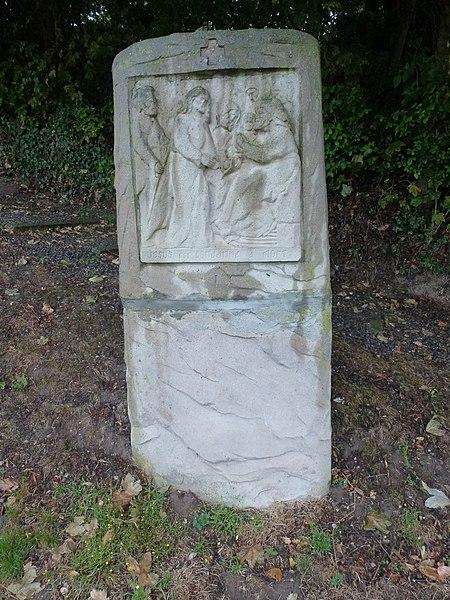 Balinghem (Pas-de-Calais) parc du chemin de croix, station 01