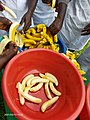 Banana peeling.jpg