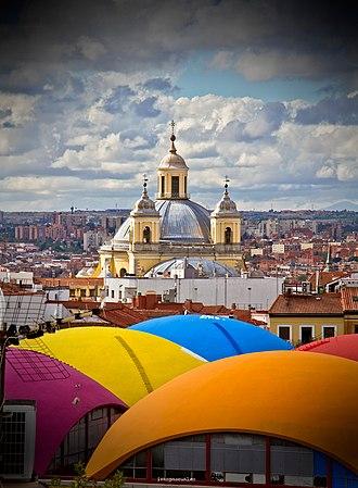 Barrio de La Latina (Madrid) - Image: Barrio de la Latina, con la Real Basílica de San Francisco el Grande (Madrid)