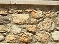 Beaurecueil-FR-13-mur de cloture-02.jpg