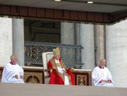 Papa Benedetto XVI in Piazza San Pietro
