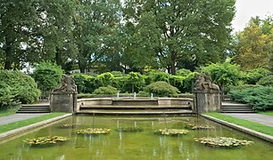Bern Rosengarten Brunnen 20211007.jpg