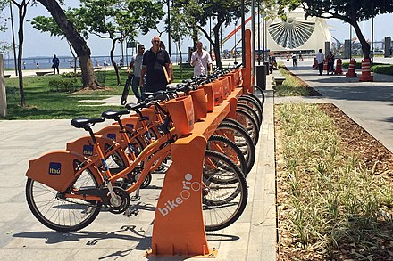 Bike Rio rental station located in Maua Square, Downtown Rio BikeRio 11 2015 Praca Maua 706.JPG
