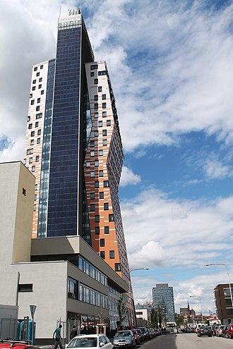 AZ Tower - Image: Brno, Štýřice, Pražákova, AZ Tower a Spielberk Tower B (2013 05 21; 01)