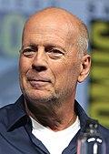 Bruce Willis übernahm wieder die Rolle von David Dunn, Elijah Price wird abermals von Samuel L. Jackson gespielt