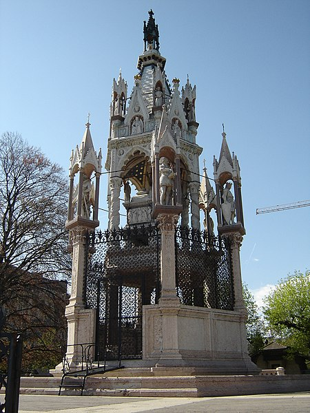 File:Brunswick Monument11.JPG